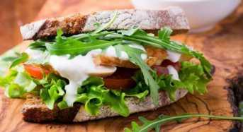Σάντουιτς με κοτόπουλο και σπανάκι