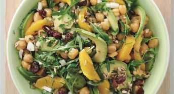 Λαζάνια με μπέικον και μοτσαρέλα και Πράσινη σαλάτα με πορτοκάλι