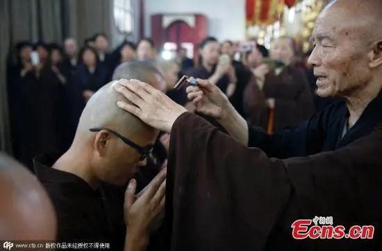 550x362xLiu-Jingchong-monk3.jpg.pagespeed.ic.38TsWjbf5h
