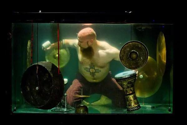 AquaSonic-underwater-band-600x400