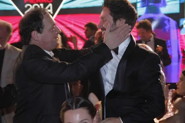 """""""Farsantes"""", la gran ganadora de la noche. En esta foto, Julio Chávez, que le ganó a Benjamín Vicuña como protagonista. """"Fue la escena de amor más intensa que hice"""", reconoció Chávez, en referencia a la escena que tuvo que hacer con su contrincante de estatuilla."""