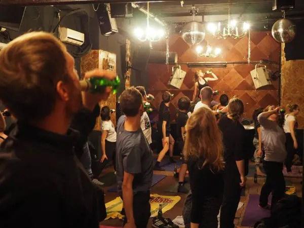 beer-yoga3-600x450