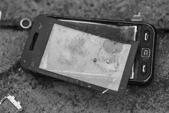 mobile-phone-destruction-tester2-550x367
