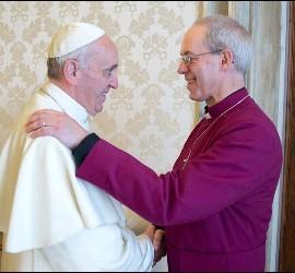 El Papa Francisco y el arzobispo de Canterbury