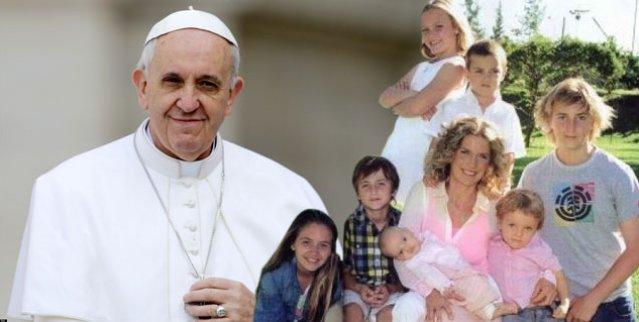 https://i2.wp.com/www.periodistadigital.com/imagenes/2014/12/09/el-papa-con-las-familias.jpg