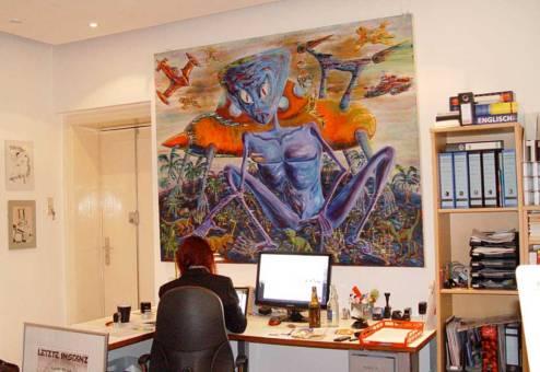 Ausstellung im Periplaneta Literaturcafé, großformatige Ölbilder von Jens Hunger