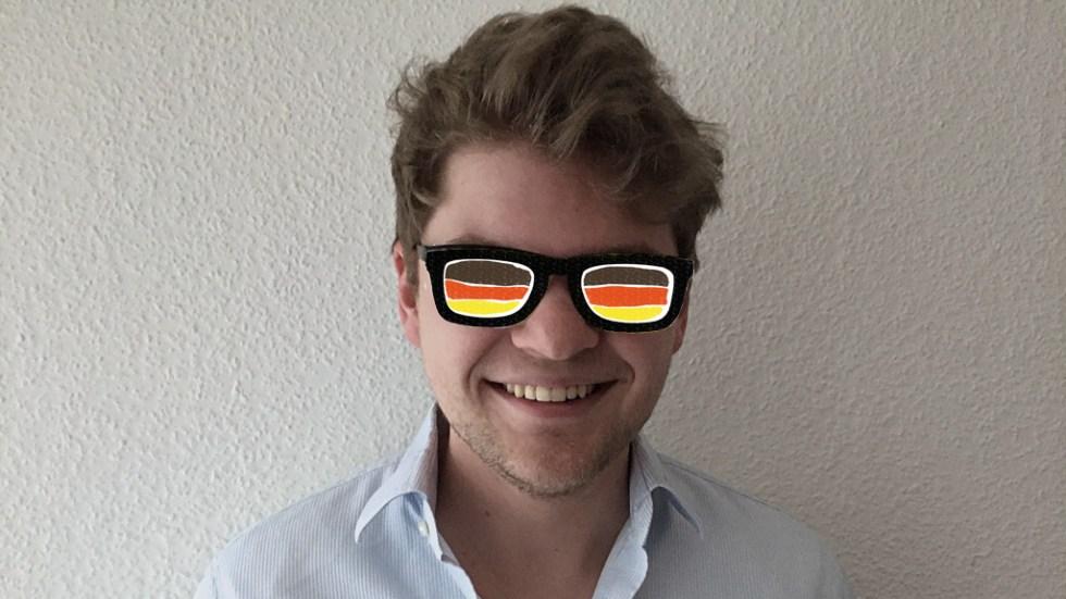 Ralph Mönius hat den Durchblick (wegen einer Brille, die Lisa Liepelt gemalt hat)