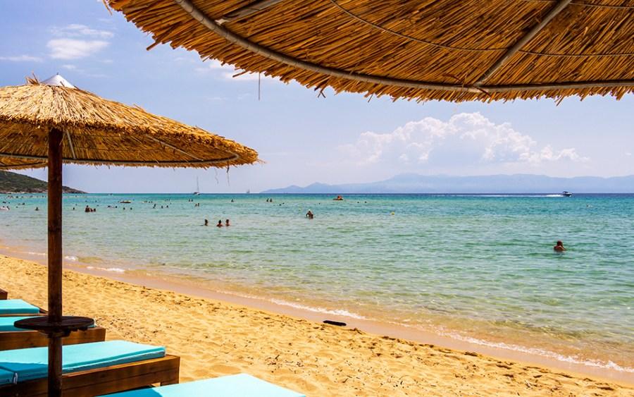 Η παραλία μας περιμένει – 6 σημεία για μπάνιο κοντά στο Περιστέρι