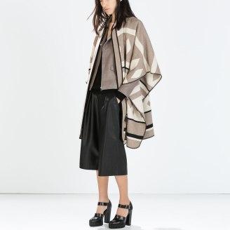 Abrigo tipo capa