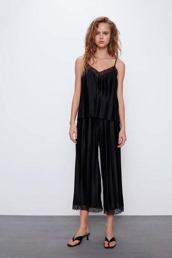Conjunto de top lencero y pantalón plisado de Zara
