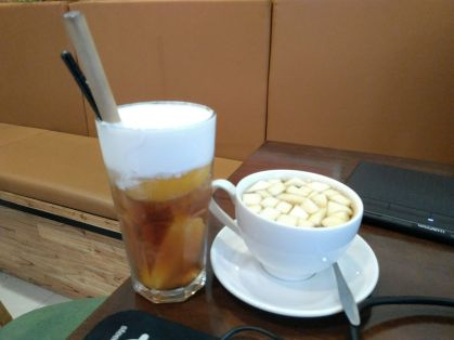 Peach Tea with Milk Foam / Apple Mint Tea