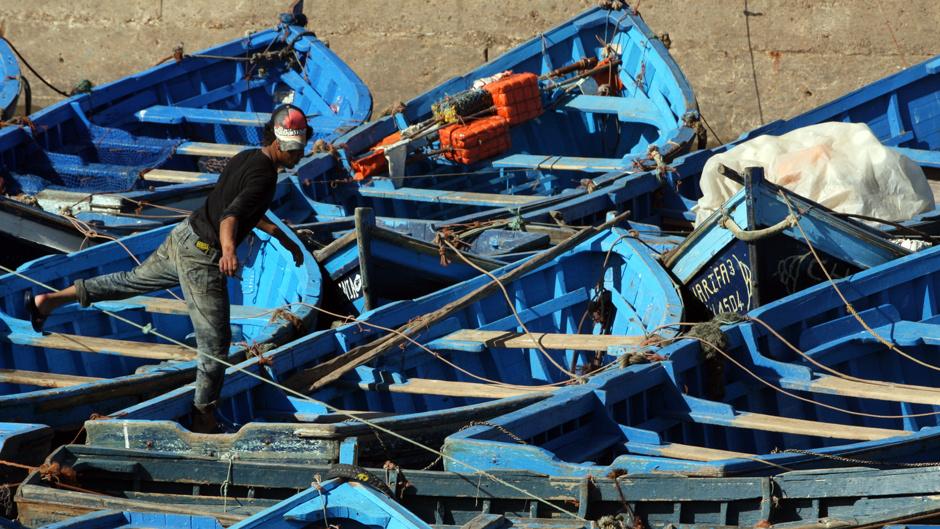 2. Maroko, As-Sawira. Ciasno upakowane łodzie w porcie w As-Sawirze.