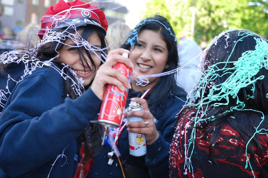 16. W tym czasie piją wszyscy abiturienci, więc ogólnie przyjęta norma jest taka, że uczeń może być na lekcjach lekko upojony alkoholem. (Fot. Mariusz Guzek)