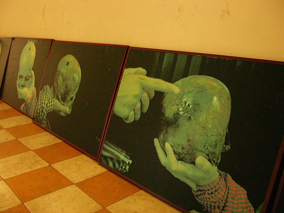 13. Kambodża, Phnom Penh. Ogromna większość więźniów była niewinna oskarżeń im stawianych, a zeznania wymuszane były torturami. (Fot. Paweł Olszański)
