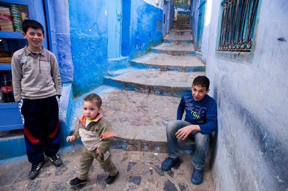 17. MAROKO, Szafszawan. Miejscowe dzieciaki po szkole. (Fot. Jarek Noga)