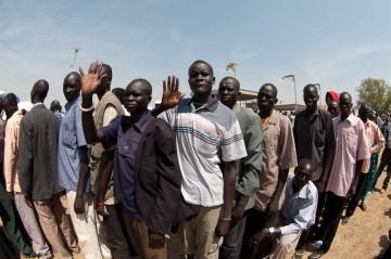 Dżuba, Sudan Południowy. Kolejka do głosowania w referendum.