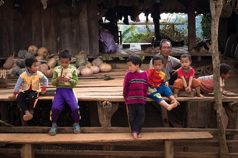 Birma - dzieci z ludu Akha