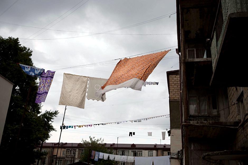 9. GÓRSKI KARABACH, Stepanakert. Tylko w stolicy toczy się życie. (Fot. Anna Alboth)