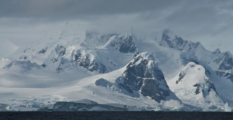 5. ANTARKTYDA, Półwysep Antarktyczny. Wielka, biała pustka. (Fot. Piotr Horzela)