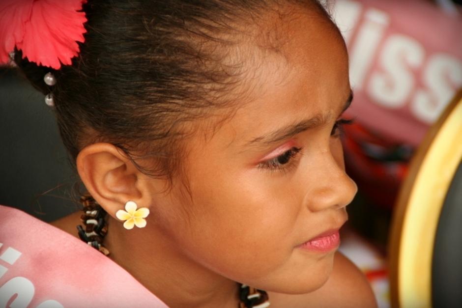 9. FIDŻI, Suva. Młodsze pokolenie także ma możliwość zabłysnąć wdziękiem podczas festiwalowych pokazów. (Fot. Tomek Biskup)
