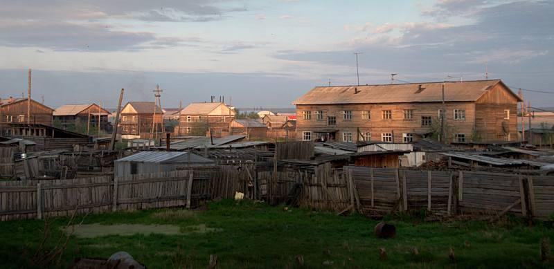 Pierwszym większym miastem na naszej drodze był Olekminsk. Dzieliło nas od niego jakieś 600 kilometrów. (Fot. Long Walk Plus Expedition)