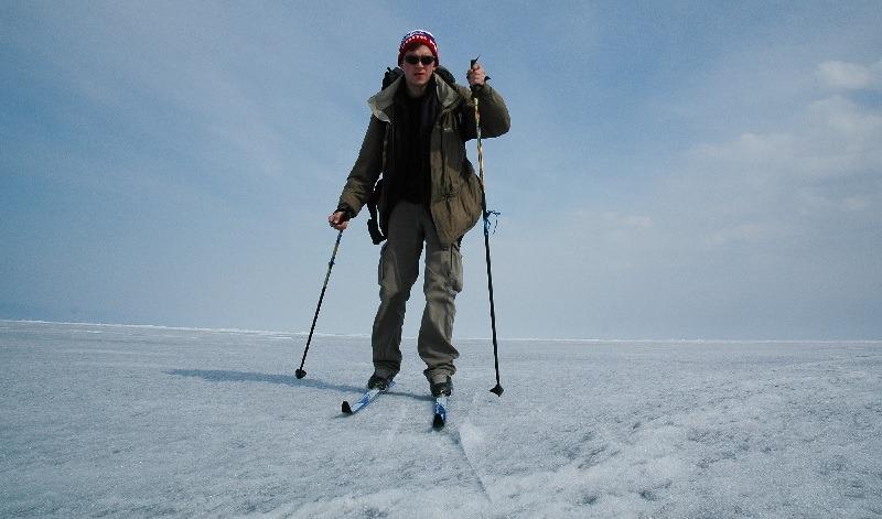 Czy 40 cm to jest cienki lód? No nie wiem, a sprawdzałem empirycznie. (Fot. Jakub Rybicki)