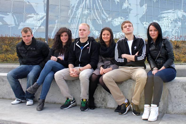 Ekipa z eurobusa. Od lewej: Hubert, Giulia, Karol, Alicja, Konrad i Ewa. (Fot. z archiwum wyprawy)