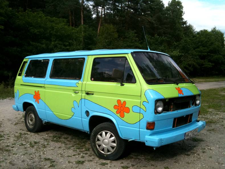 Wszyscy zaakceptowali pomysł aby przerobić samochód na The Mystery Machine, czyli auta którym jeździł bajkowy Scooby Doo! (Fot. z archiwum wyprawy)