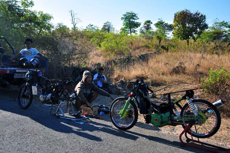Wyścigi motocyklowe w Kupang. Trwają przygotowania