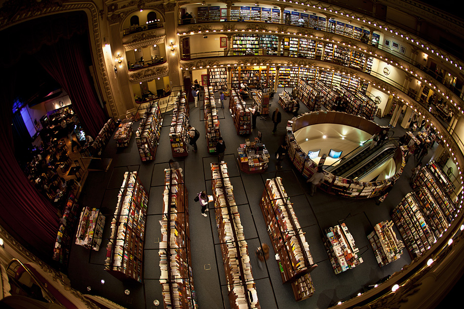 3. ARGENTYNA, El Ateneo. W 2000 roku budynek został gruntownie odnowiony i przekształcony w księgarnię funkcjonującą do dziś pod nazwą El Ateneo. (Fot. Agnieszka i Mateusz Waligóra)