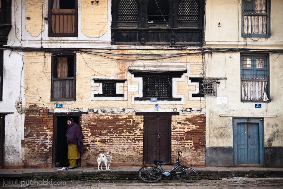 Podwórko w Katmandu.