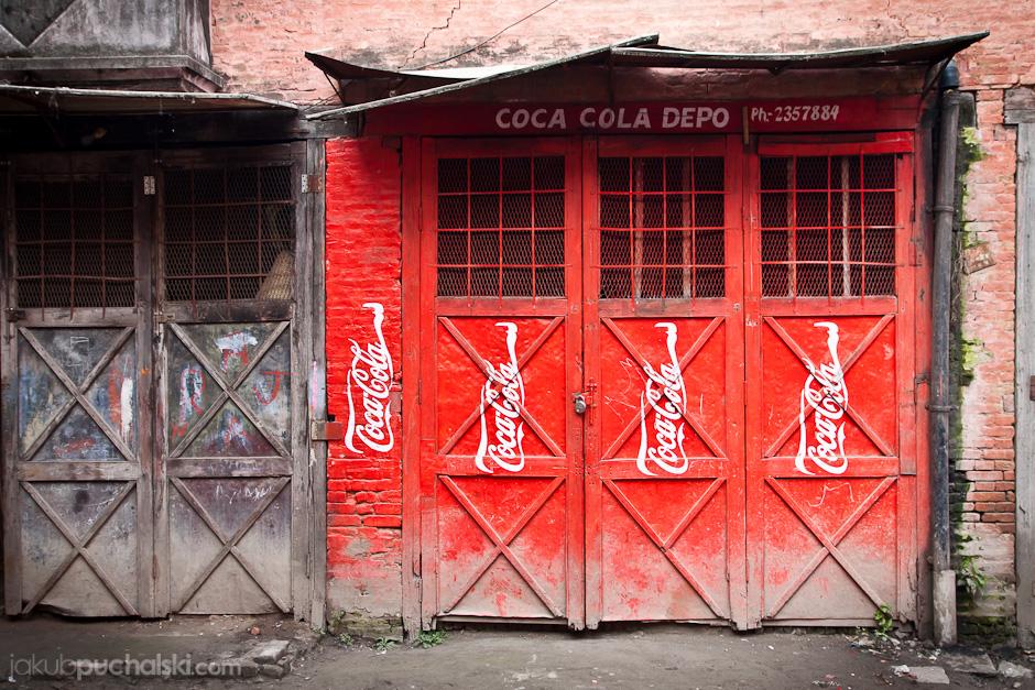 Magazyn napojów w stolicy Nepalu