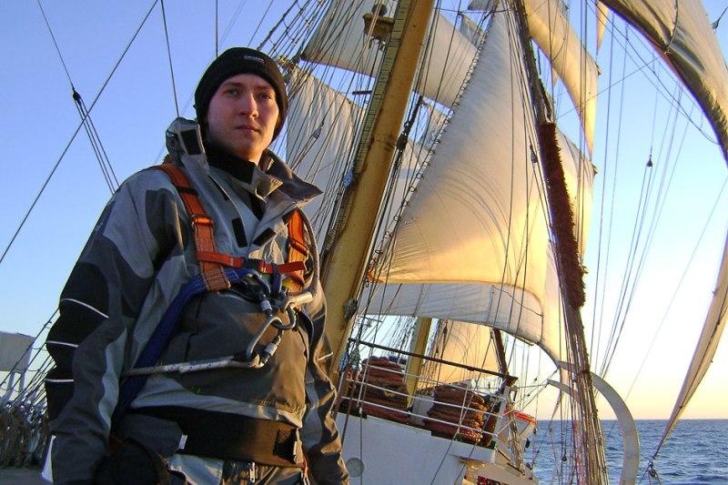 """Pomysłodawca """"project: Sailing"""" na Darze Młodzieży. (Fot. Łukasz Koperski)"""