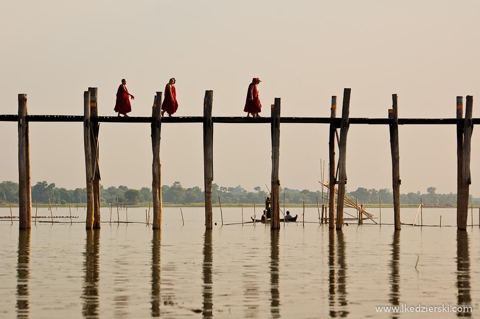 Konstrukcja mostu U Bein's Bridge w Birmie