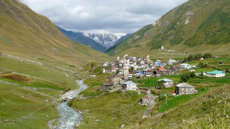 Leżąca u stóp Kaukazu wioska Ushguli