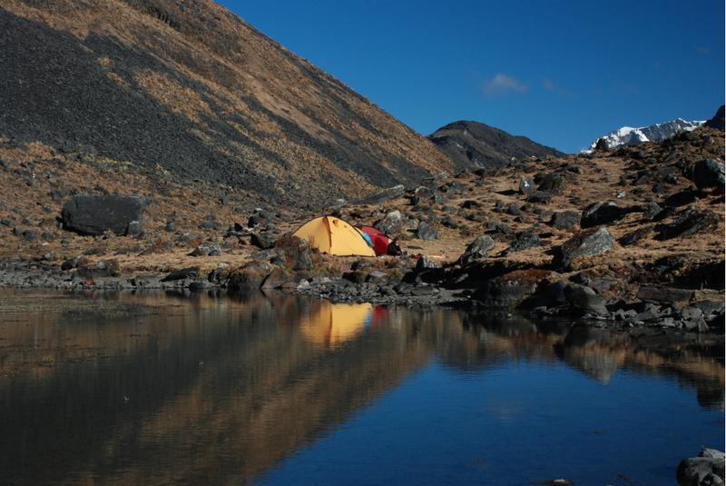Obóz w dolinie Huancasayani. Boliwijskie Andy