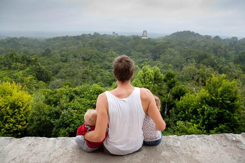 Widok na świątynię Tikal