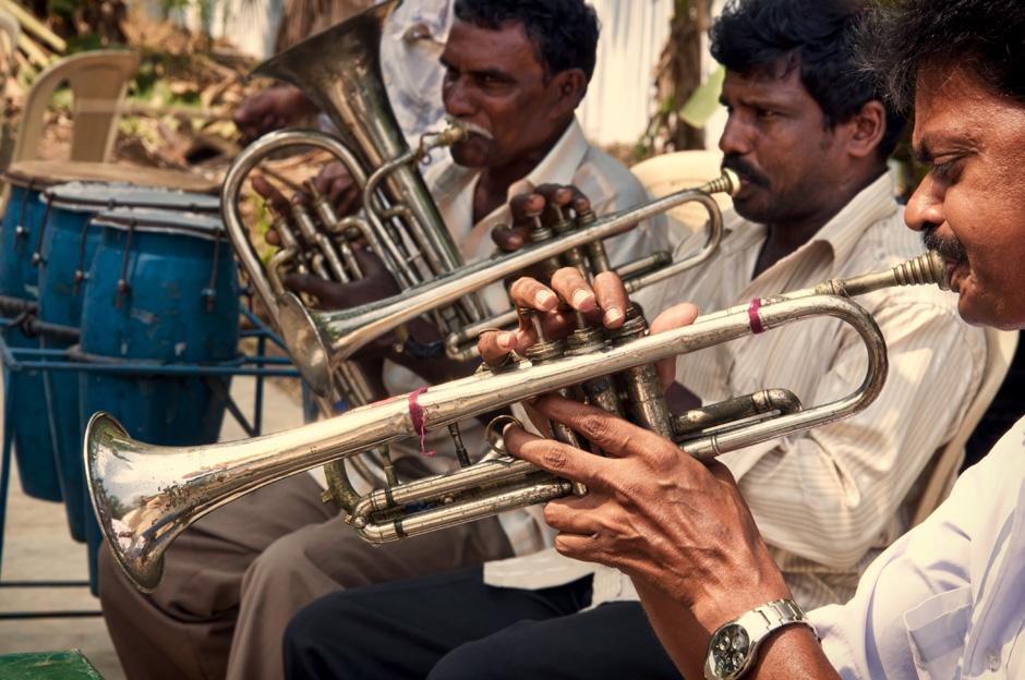 4. INDIE, Achanta. Orkiestra budzi całe miasteczko już o świcie. (Fot. Kasia Adamczyk-Tomiak)