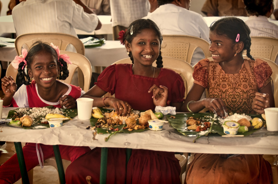 14. INDIE, Achanta. Ryż i przeróżne sosy podane są tradycyjnie na bananowych liściach. (Fot. Kasia Adamczyk-Tomiak)