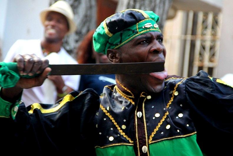W tańcu widać wszystkie emocje jak u widocznego tu boga wojny Oguna.