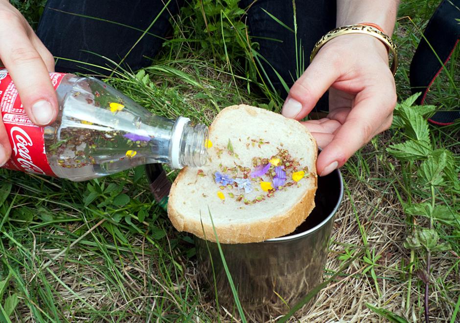 Filtrowanie denaturatu przez chleb