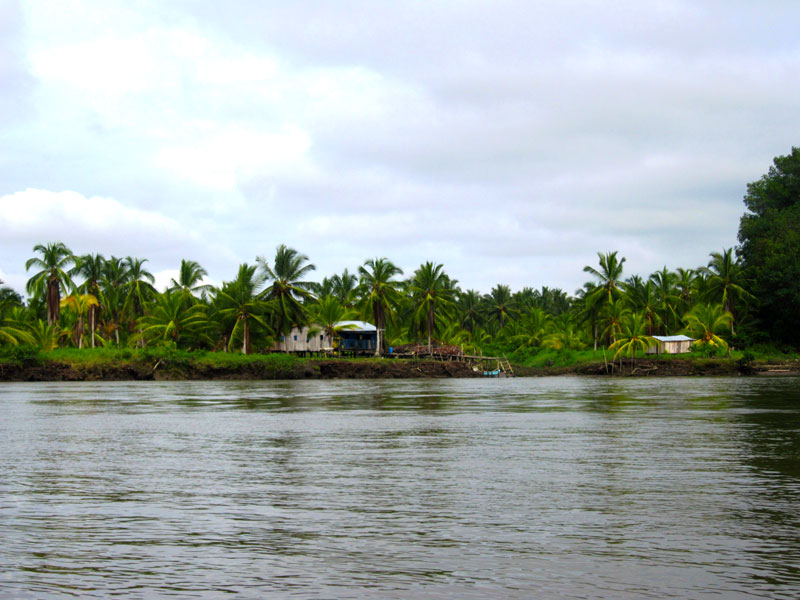 Rzeka przepływająca przez San Lorenzo