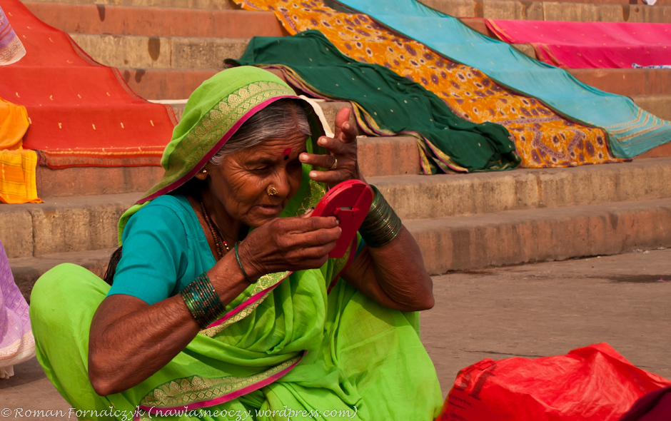 Czerwone kółeczko na czole u Hindusek