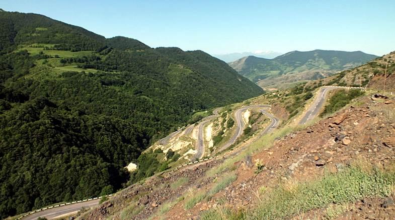 Droga przez góry w Górskim Karabachu