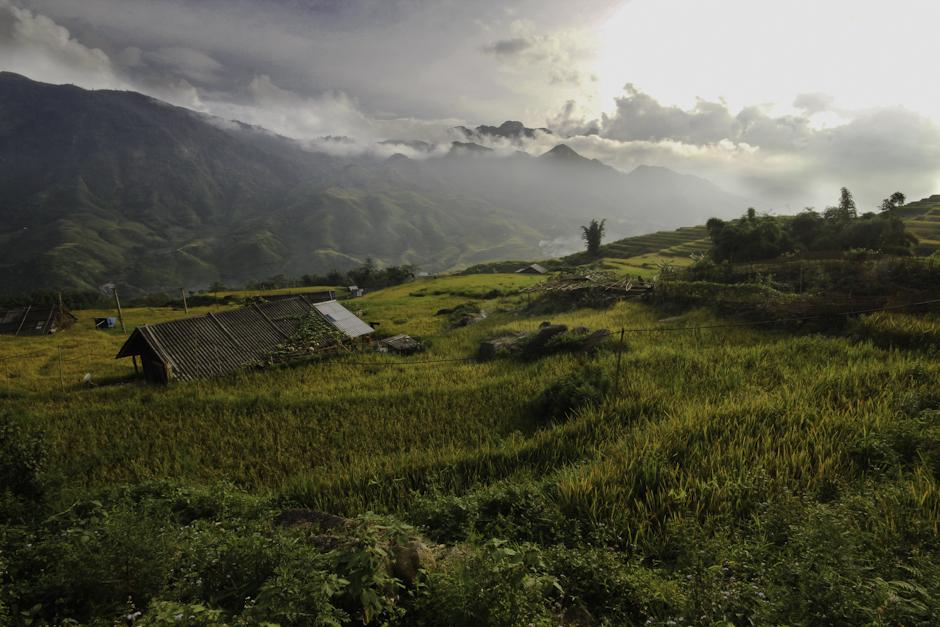górskie widoki w okolicach wietnamskiej turystycznej miejscowości Sapa
