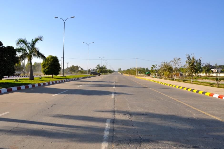 Autostrada przecinająca sektor hotelowy