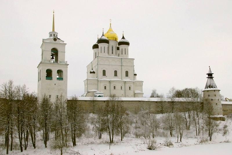 Kreml w Pskowie. Turystyczna Rosja