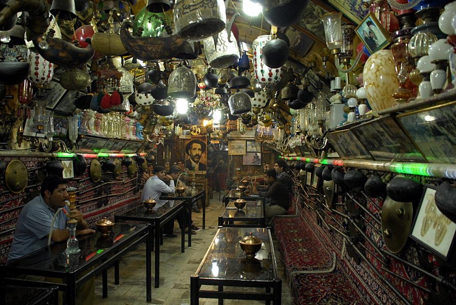 Knajpa w Isfahanie - zdjęcia z podróży do Iranu