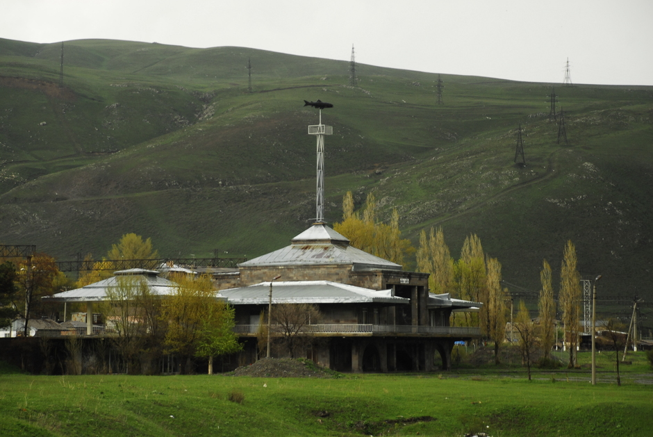 Rowerem przez Armenię. Hotel nad Jeziorem Sewan