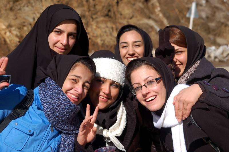 Irańskie studentki - foto z podróży do Iranu